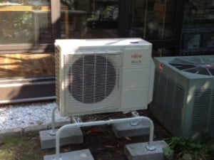 Central Air Conditioning versus Ductless Split Air Conditioning System